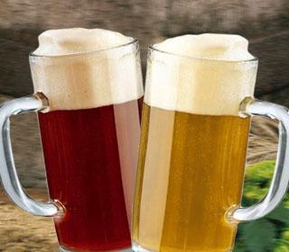 selbst gebrautes dunkles 4-Korn-Bier // braukurs, brauvorführung